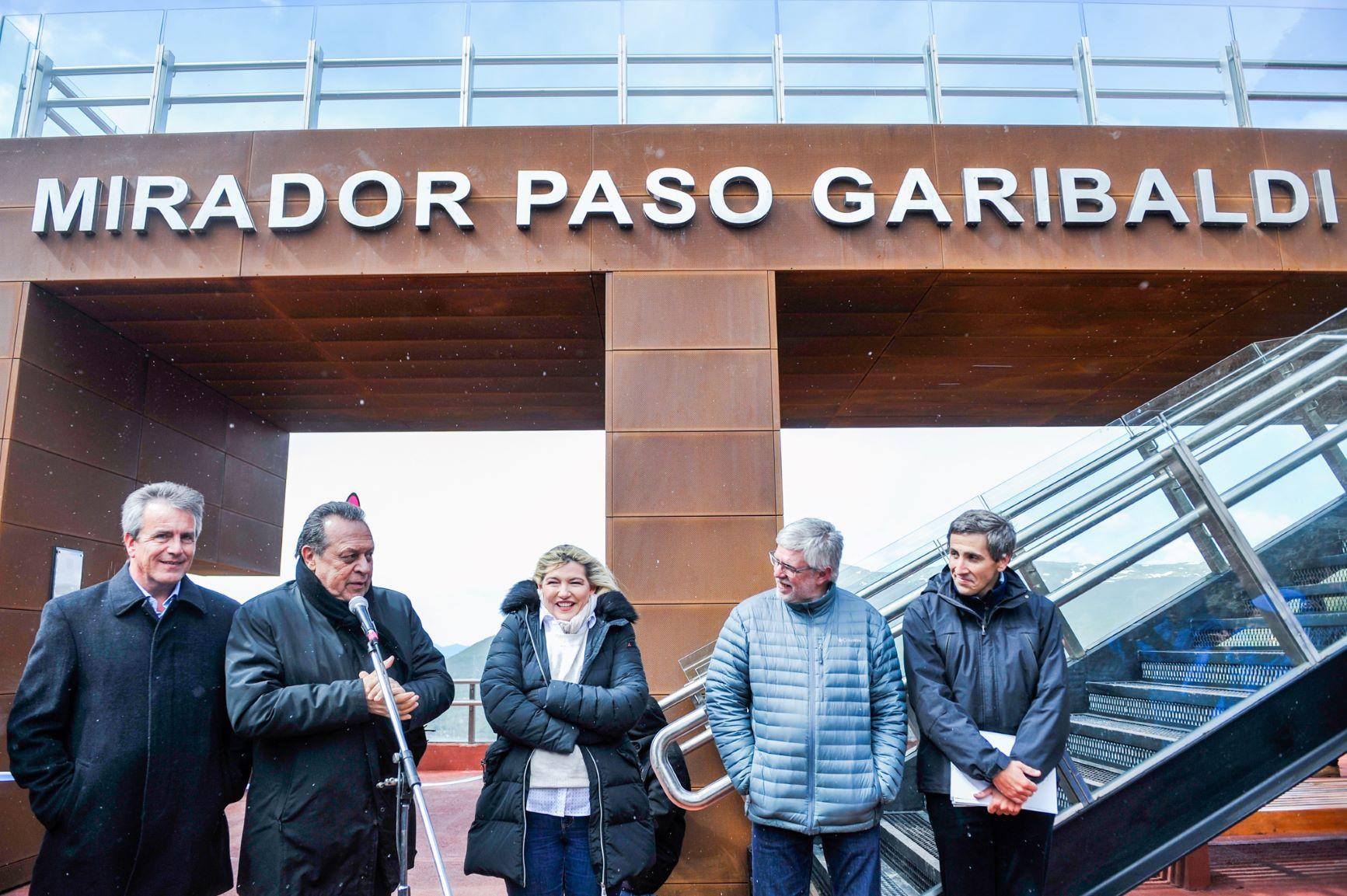 Bertone y Santos inauguraron el nuevo Mirador de Paso Garibaldi